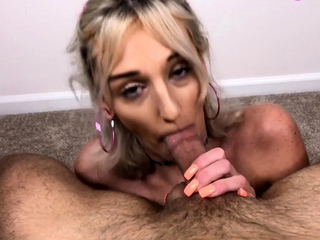 Slut deepthroats hubby increased by fit together confessions