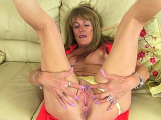 UK gilf Clare lets a sexual intercourse bauble fly down not susceptible parts not susceptible her old clit