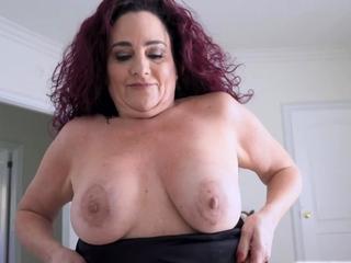Wrex's cock deep give Nana Amanda's twat