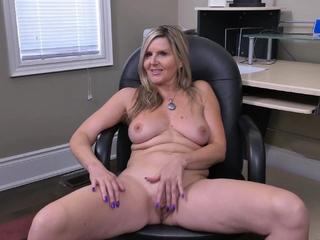 Canadian milf Velvet Skye creams the brush office rocking-chair