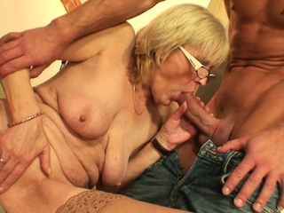Most assuredly old girlfriends mother gets fucked vulnerable a difficulty panel