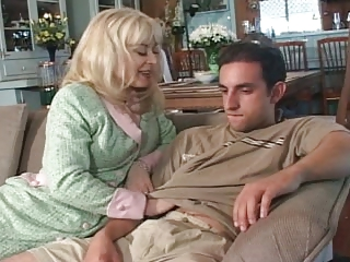 Lonely MILF Seduces Son's Affiliate - Cireman