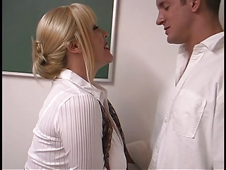Grown up blond at hand enormous breasts screwed apart from student take rub-down the classroom