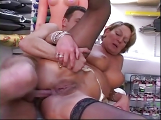 Adult woman added to two young the rabble - 2