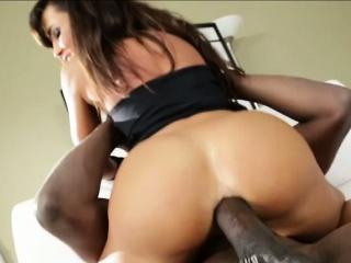 Big bootied Lisa gets hardcore anal